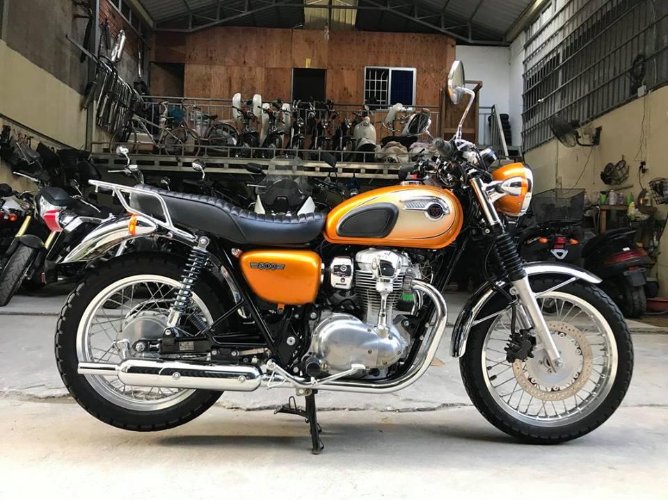 Kawasaki w-800cc đời 2011 cực đẹp sơn zin máy zin 100% cực êm