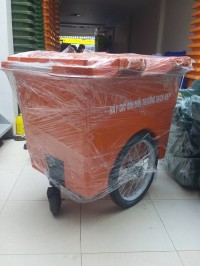 Bán xe đẩy gom rác 1100 lit có 4 bánh xe