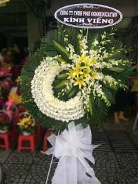 Các vòng hoa tại nhà tang lễ 354 hà nội