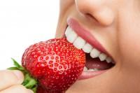 Cách làm trắng răng bằng oxy già?