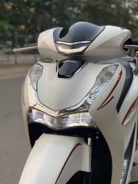 Cần thanh lý honda sh 150i 2020 mới 100% xe máy nhập..