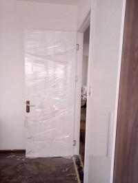 Cửa nhựa giả gỗ abs hàn quốc ở bình tân, quận thủ đức