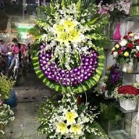Giới thiệu vòng hoa kiểu sài gòn tại nhà tang lễ 354