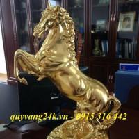 Lá vàng làm nên quà tặng của cuộc sống