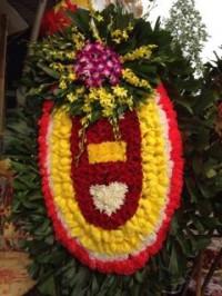 Những vòng hoa đẹp tại nhà tang lễ thanh nhàn