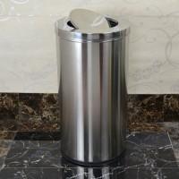 Thùng chứa rác bằng inox và thùng rác chất liệu nhựa, loại nào chất lượng?