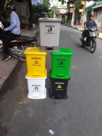 Thùng rác y tế 15l, 20l, 25l giá rẻ cạnh tranh