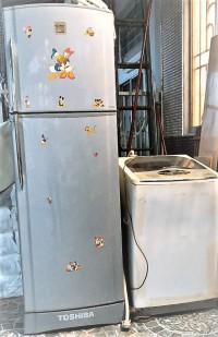 Tủ lạnh (model toshiba gr-h23vpd) 228 lít + máy giặt..