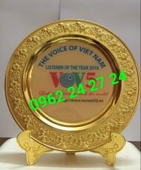 Nơi bán đĩa quà tặng lưu niệm, cơ sở cung cấp đĩa đồng đúc, đĩa vinh danh